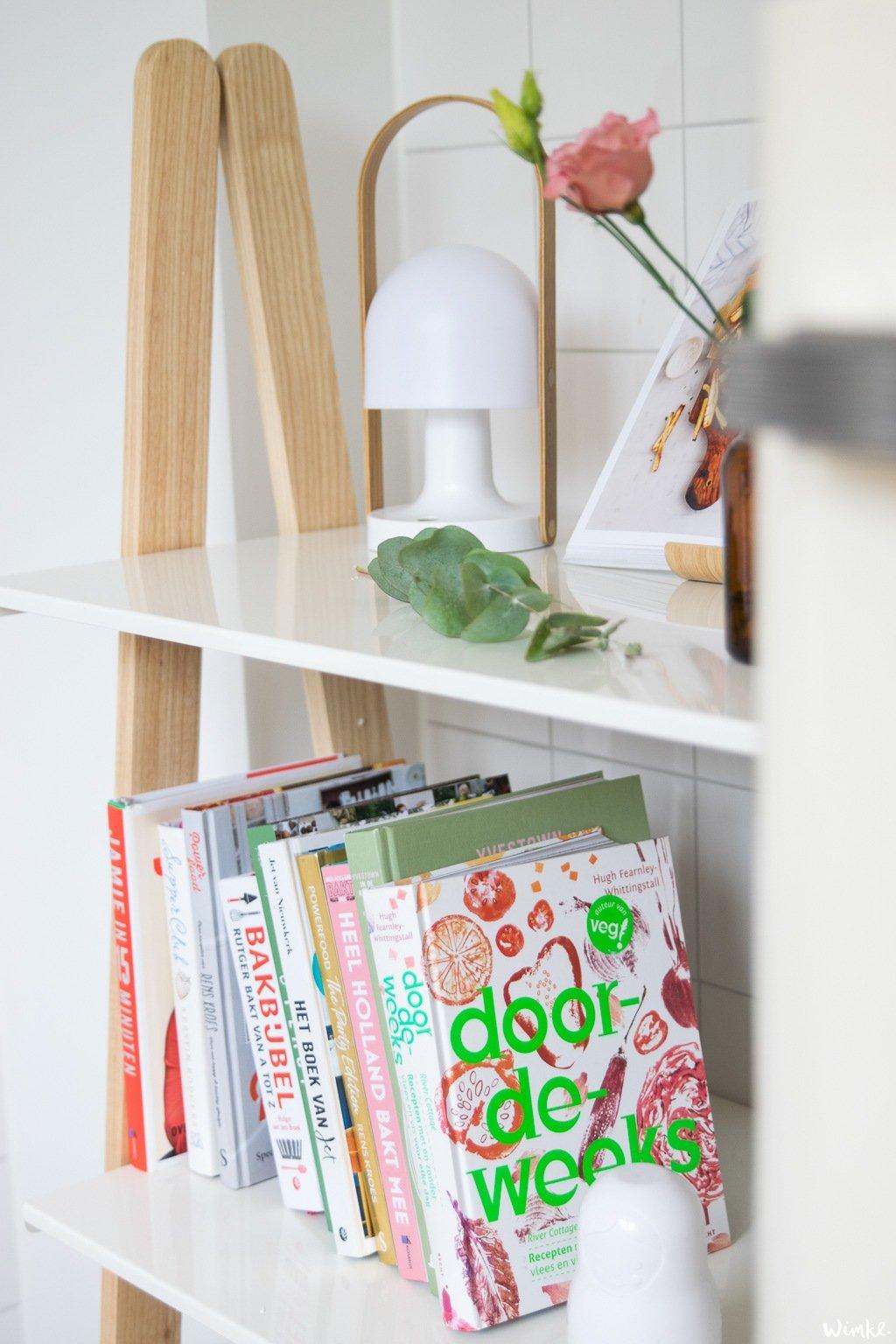 One Step Up boekenkast voor mijn allermooiste kookboeken - Wimke.nl
