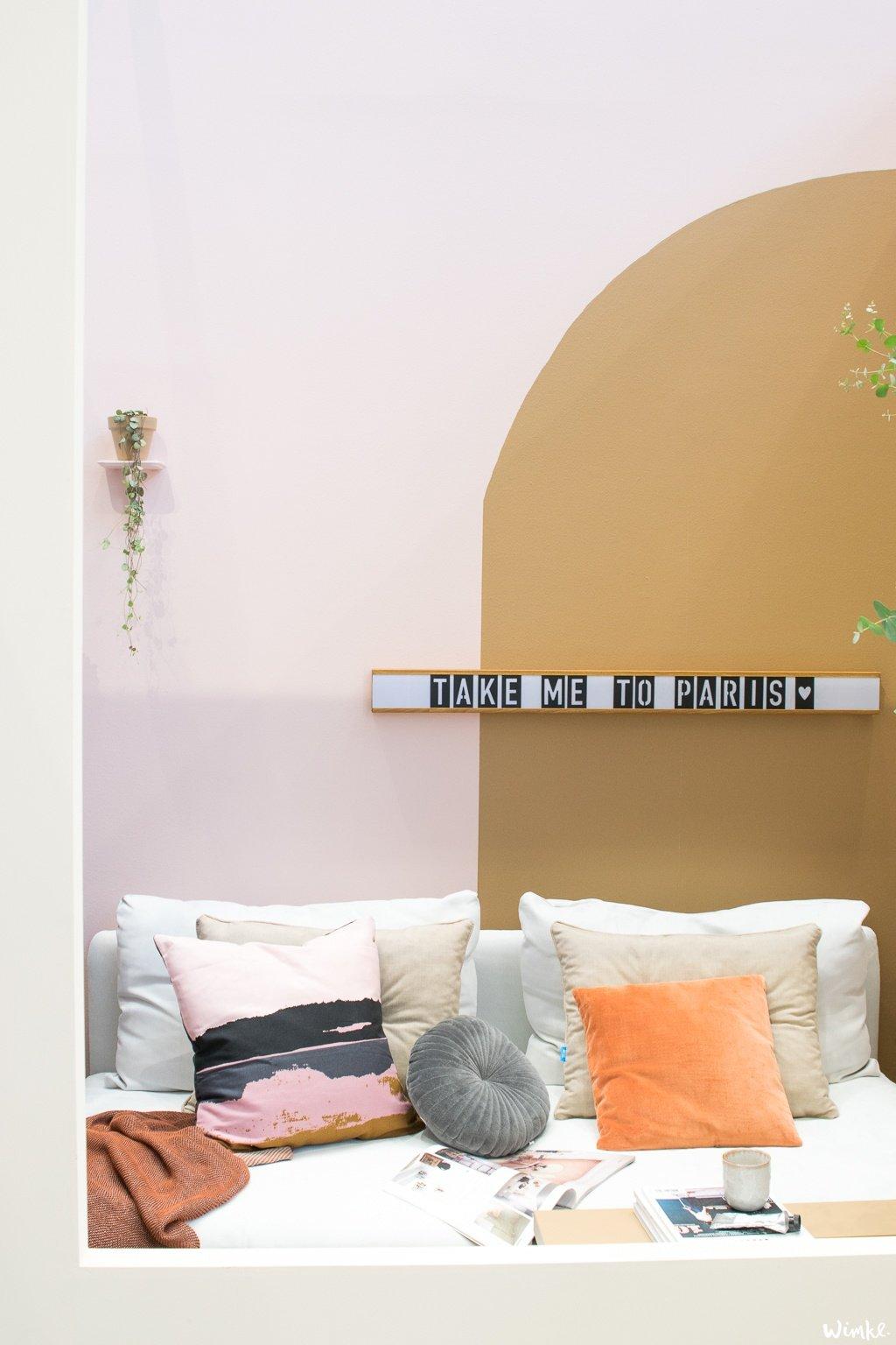 Spiced Honey als eyecatcher in de woonkamer van Flexa op de vtwonen en designbeurs www.wimke.nl